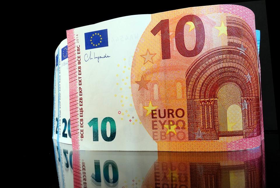 stojící eura